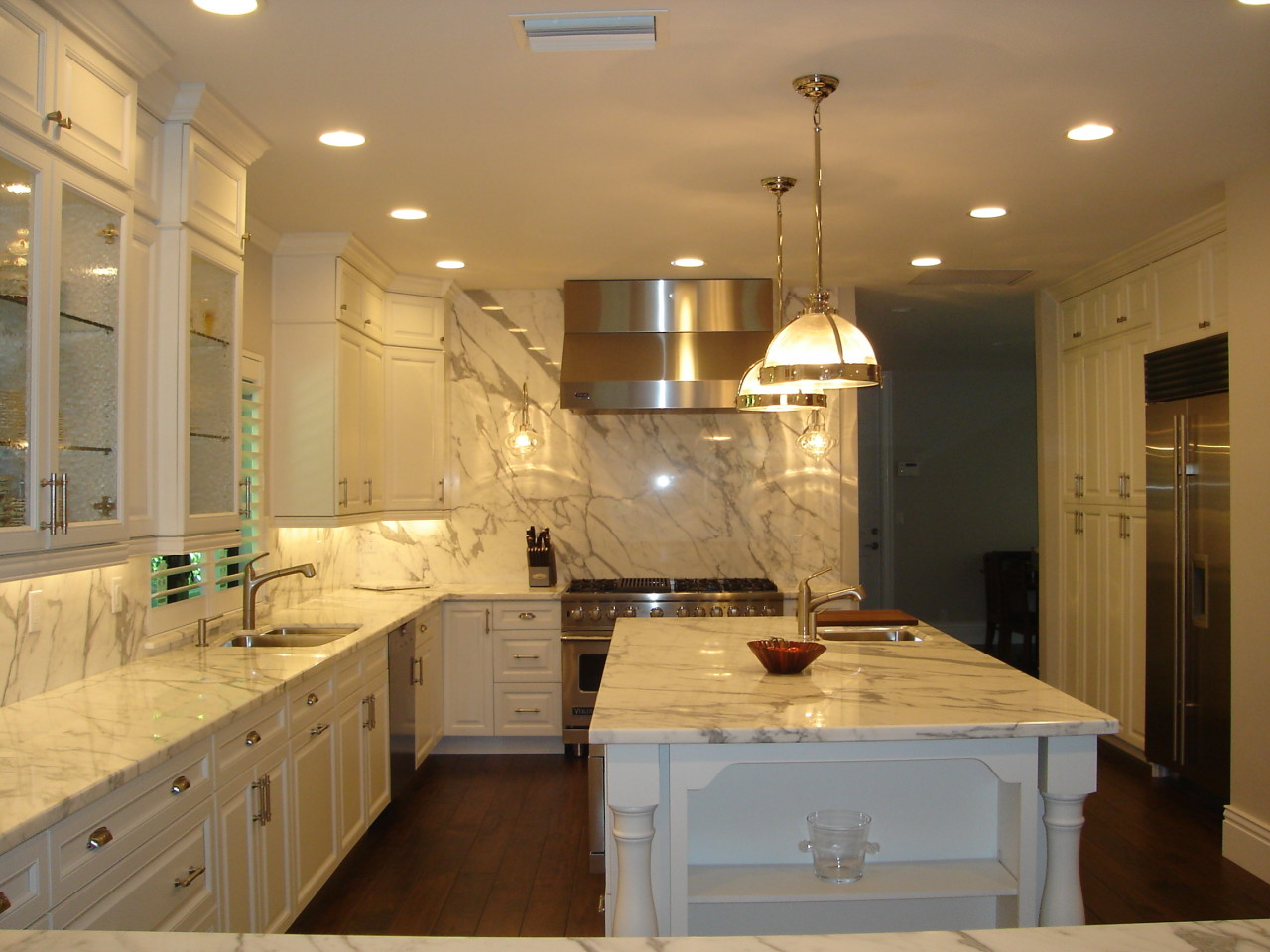 Transitional kitchen design bath kitchen creations for Kitchen bathroom design