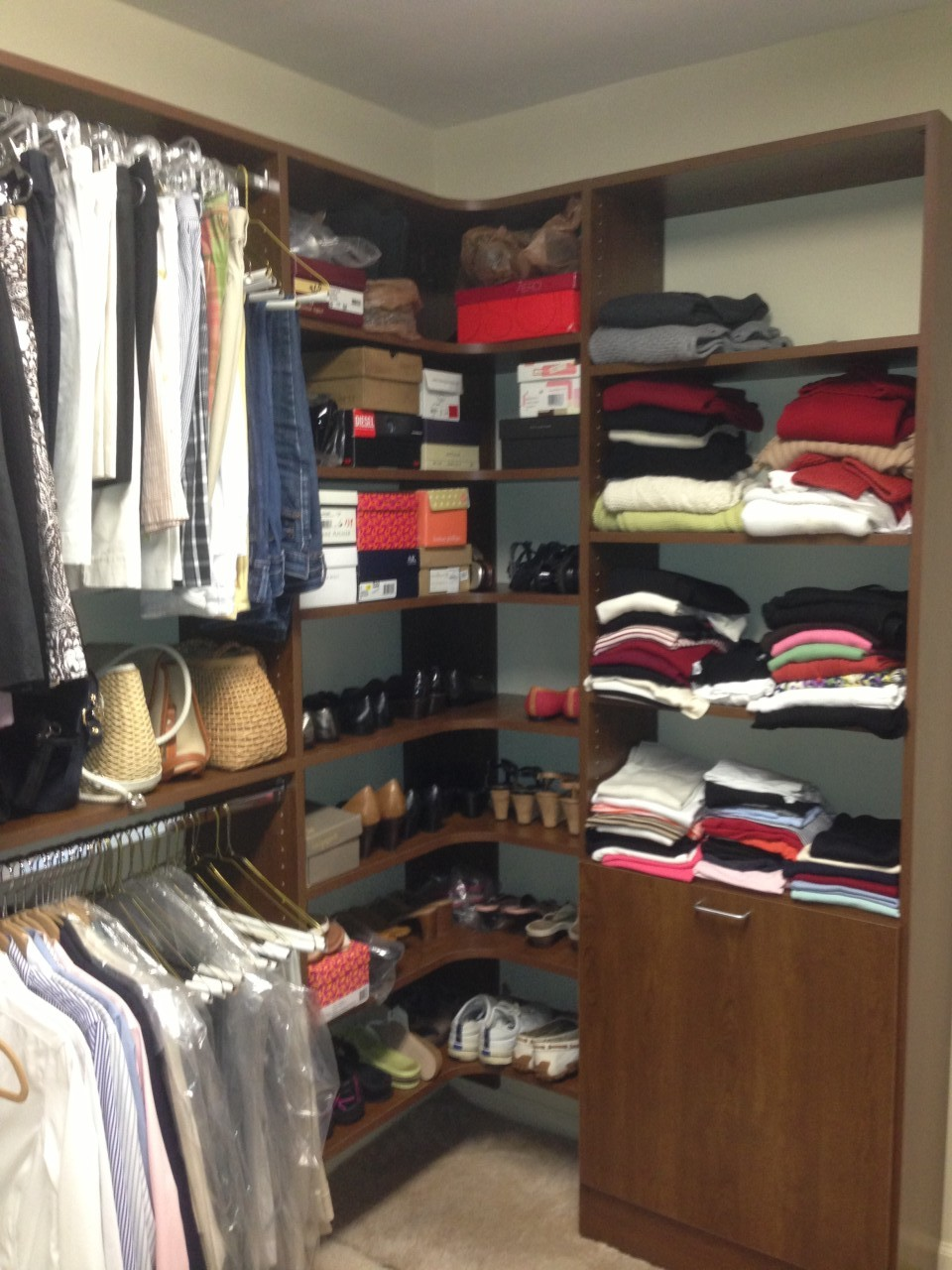 Maximizing Closet Corner Space